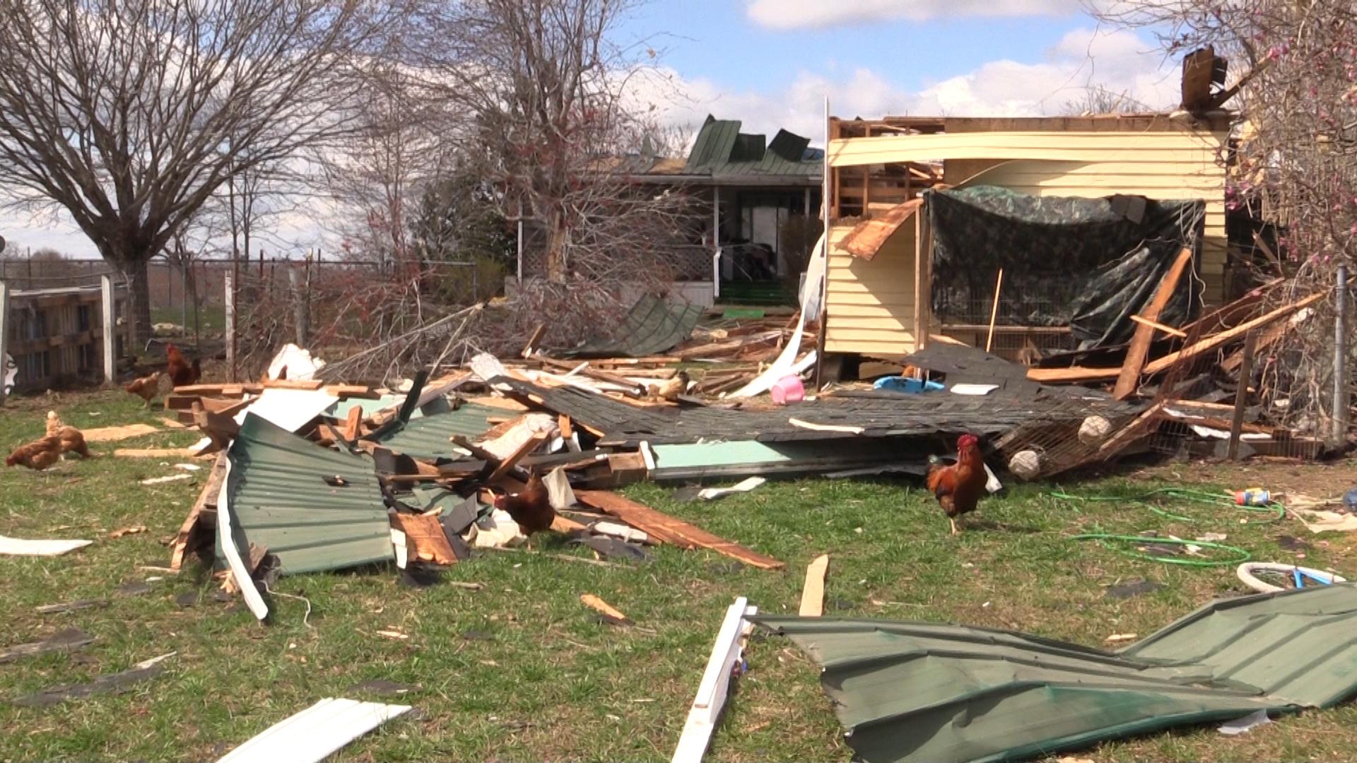 VIDEO - Storm slams Dibrell home